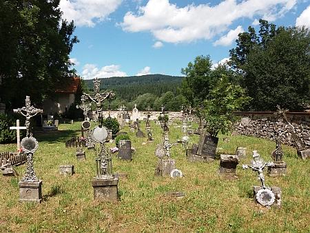 Šumavské hřbitovy: České Žleby, Křišťanov, Horní Planá, Rožmberk, Pěkná, Svéraz