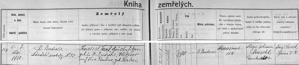"""Záznam o úmrtí vdovce po Paulině, roz. Firbasové, v domě na Náměstí svobody čp. 22, na stařecký """"marasmus"""", jak ho nacházíme v českobudějovické """"Knize zemřelých"""""""
