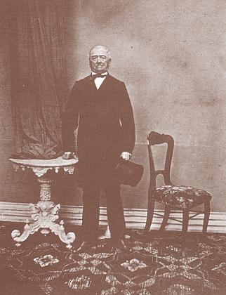 Jeho tchán, lékař a prachatický starosta v letech 1861-1891 Dr. Ernst Mayer (1815-1891)