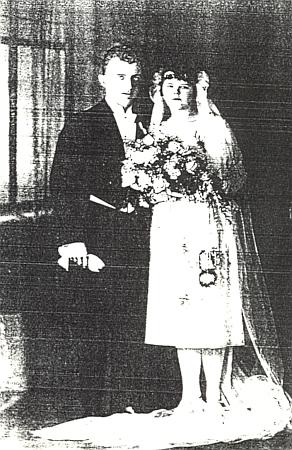 Svatební foto Volkharda a Jany Knyových, rodičů paní Ley Vávrové