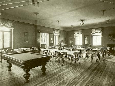 Úřednické kasino v Pečkovském mlýně na snímku Josefa Seidela