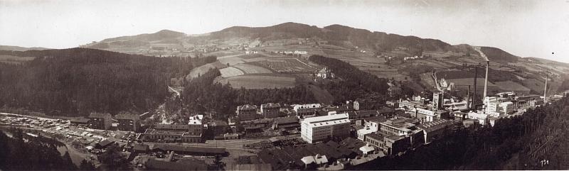 Panoramatické záběry papírny Pečkovský mlýn pořídil v roce 1927 Josef Seidel