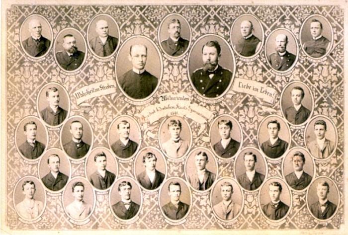 Maturitní tablo německého gymnázia z roku 1891 s jeho podobenkou