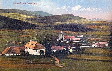 Přední Výtoň na staré pohlednici, ve zdejší škole učila ručním pracem