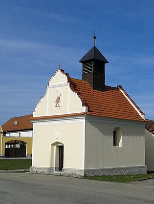 Návesní kaple v Záboří (viz i Margarete Knofová)