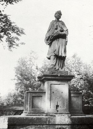 Socha jeho patrona Jana Nepomuckého nazámeckém mostě v Boru u Tachova je dobrou nápodobou Brokoffovy známé podoby světcovy na pražském Karlově mostě apochází údajně rovněž z dílny Johanna Christopha Artschlaga