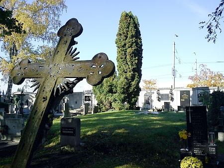 Společný hrob č. 2 na českobudějovickém hřbitově sv. Otýlie, kde spočívají jeho ostatky