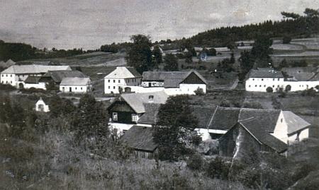 Pohled na Miletínky ze čtyřicátých let minulého století