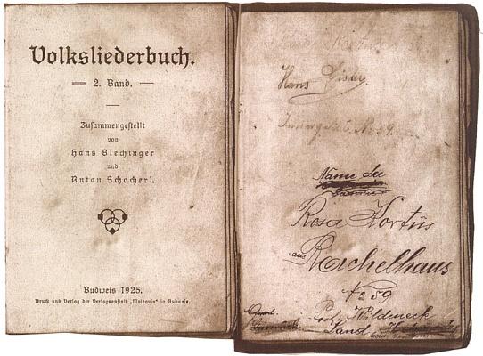 Zpěvník Rosy Kortusové s adresou Roklanské hájenky - jde o druhý díl knížky, vydaný v Českých Budějovicích roku 1925, jehož spoluautorem je Anton Schacherl