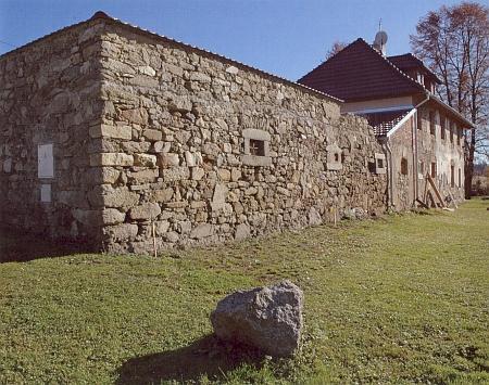 Bývalé selské stavení v Dobechově