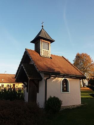 Kaple postavená nově dnešními osadníky vsi namísto zničené původní