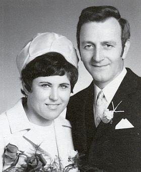 Svatební foto strýčka Wenzla s tetou Melli