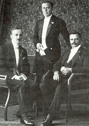 Odleva bratři Alfons (1885-1966), Siegfried (1891-1974) a Gottlob von Kralikovi