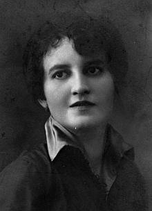 Jeho žena Anna, roz. Voříšková, zemřela vČeských Budějovicích roku 1981