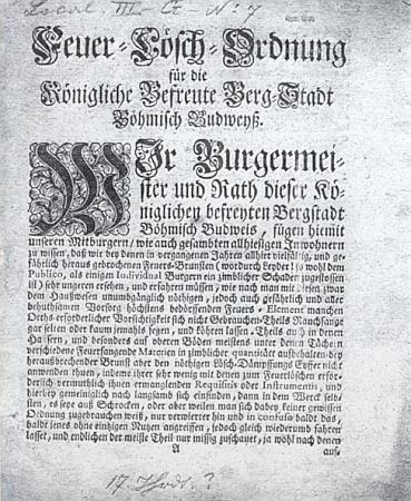 """Požární řád rovněž ze 17. století tituluje město """"Königliche Befreute Berg-Stadt Böhmisch Budweyß"""""""