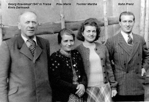 Roku 1947 v hesenské vsi Traisa (dnes místní část obce Mühlthal vzemském okrese Darmstadt-Dieburg) se svou ženou Marií, dcerou Marthou a synem Franzem