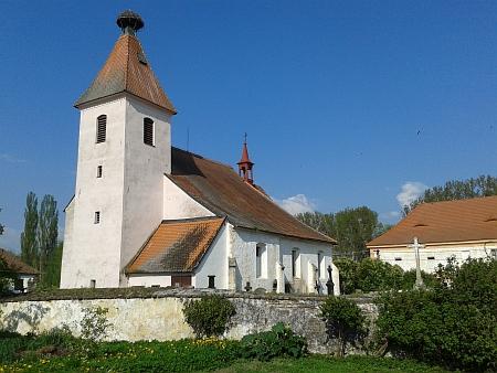Strýčický kostel sv. Petra a Pavla...
