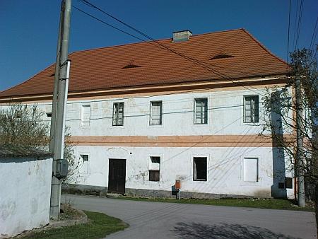 Budova bývalé fary