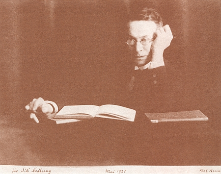 """Fotografie z května 1921 nese Krausovo věnování """"Für Sidi Nadherny"""""""