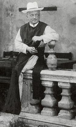 Na snímku z roku 1906