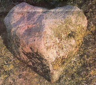 Balvan tvaru srdce pod Luzným