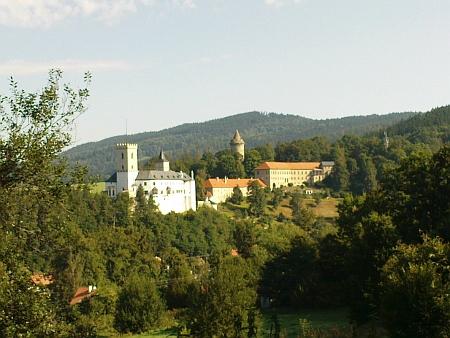 Dnešní (2009) pohled na hrad Rožmberk nad Vltavou
