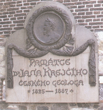 Náhrobek na vyšehradském hřbitově