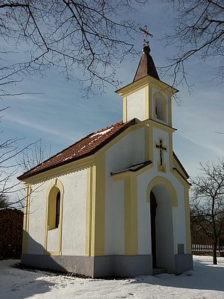 Návesní kaple v Červeném Újezdci