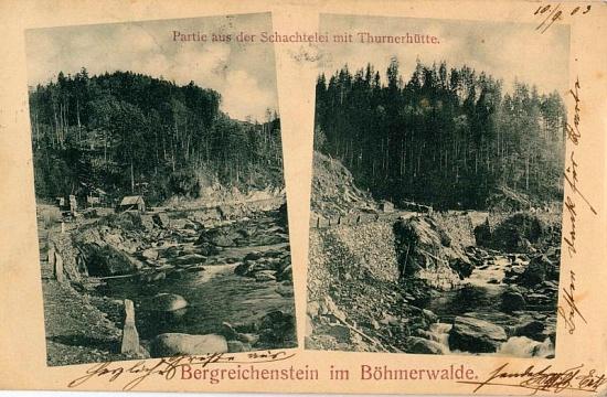 """Tady je na pohlednici datované 10. září 1903 chata ještě opravdu spíše jen """"cestářská"""" útulna"""
