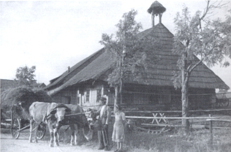 Idylický snímek ze Zhůří, pořízený jednoho odpoledne neidylických čtyřicátých let 20. století