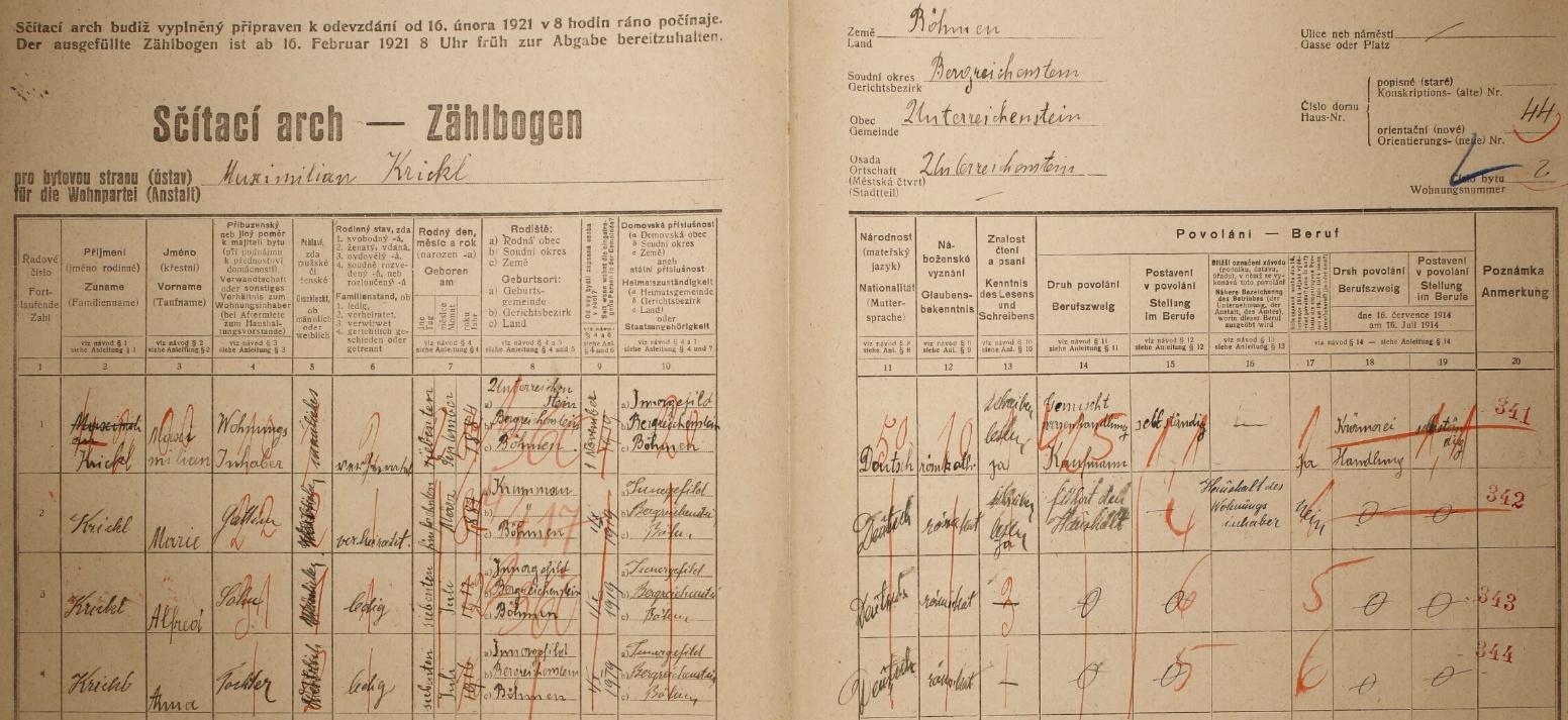 """Arch sčítání lidu z roku 1921 pro dům čp. 44 v Rejštejně, s rodinou jeho otce a jmenovce Maxmiliana Krickla (*7. září 1884 v Rejštejně), matky Marie (*15. března 1887 v Českém Krumlově /zde """"Krummau""""/), syna Alfreda (*7. července 1912) a dcery Anny (*7. července 1916), obou už narozených na Horské Kvildě (Innergefild) jako on, který tu ještě nefiguruje"""