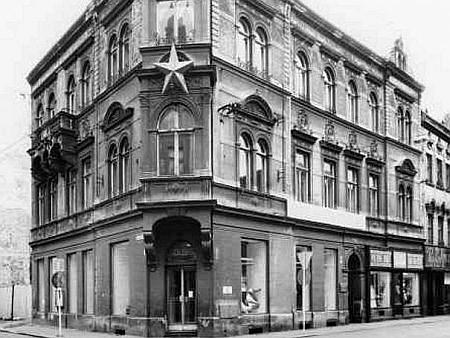 Takto vyhlížel Kristinusův dům na sklonku komunistického režimu v roce 1988...