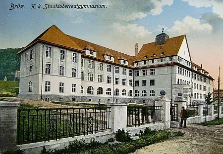 C.k. německé gymnázium v Mostě na staré pohlednici