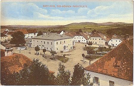 Stará kolorovaná pohlednice městyse Horní Dvořiště, kde zemřel