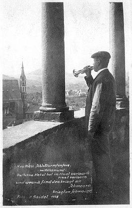 Datovaná pohlednice Josefa Seidela sříkankou o věžném a jeho fanfáře