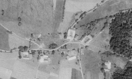 Mošna na leteckých snímcích z let 1952 a 2008 (viz i Karl-Heinz Rauscher)