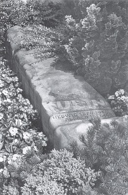 Hrob Alfreda a Hedwigy Kubinových ve Wernsteinu