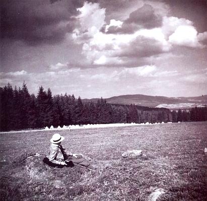 Na snímku ze Šumavy z fotoalba Emmy Haeselové