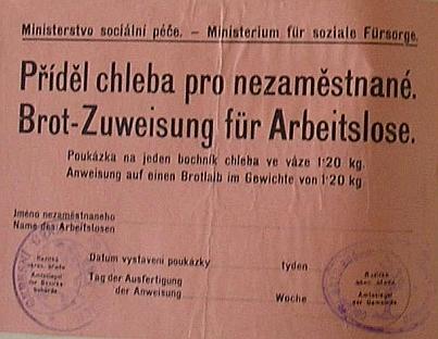 Poukázka na bochník chleba pro nezaměstnané, jak se uchovala vlepena do obecní kroniky sousední Bučiny