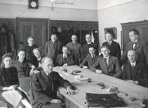 Jako profesor plzeňského gymnázia ve třicátých letech minulého století