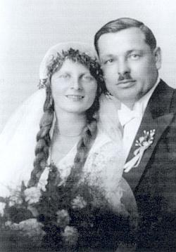 Svatební foto Aloise a Marie Kuchlerových z roku 1933