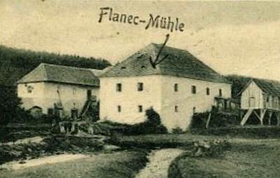 Blanický mlýn, kde mladý Alois Kuchler muzicíroval, kdysi a dnes