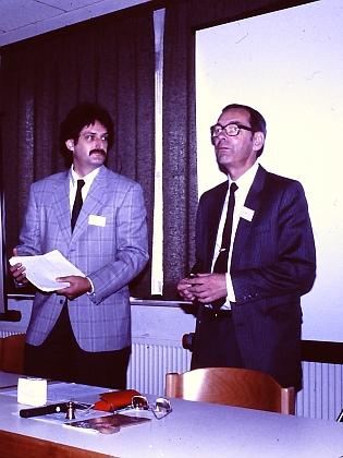 Na jedné z mnoha konferencí a symposií