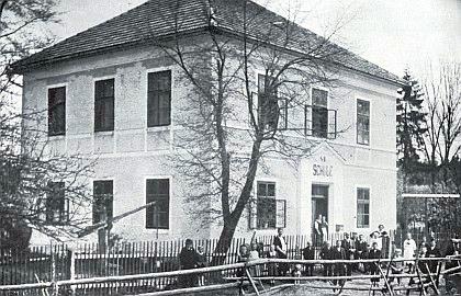 Dobrá stará škola v Bednářích kdysi...