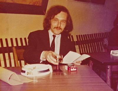 Na snímku z roku 1974, kdy mu bylo 31 let, z jeho již nefunkčních webových stránek