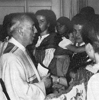 Při setkání s potomky želnavských vyhnanců v pasovském dómě roku 1985