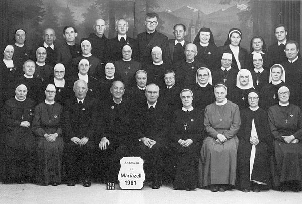 S kněžími a řádovými bratřími a sestrami při pouti do Mariazell roku 1981 sedí třetí zleva v první řadě,     vedle něho Josef Dichtl a Johannes Barth, v zadní řadě čtvrtý zleva stojí Salvator Gruber