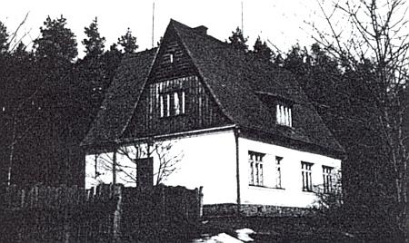 Německá škola v Nové Vsi (Schönborn), založená tu v roce 1938 sdružením Deutscher Kulturverband
