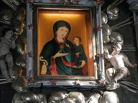 Obraz Matky Boží na oltáři farního kostele sv. Vincence v Doudlebech