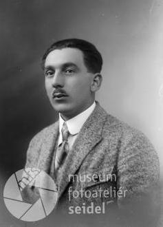 """Seidelův snímek z 13. ledna 1924 je pořízen na jméno a adresu """"Steffl Ludwig, Kirchschlag"""""""